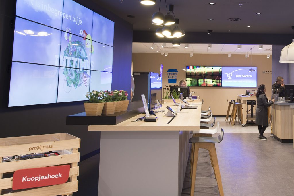 Proximus shop digital signage